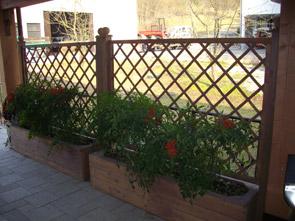 Arredo giardino - Grigliati, fioriere, e accessori per il ...