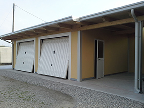 Casette in legno e strutture prefabbricate per esterni for Casette con portici