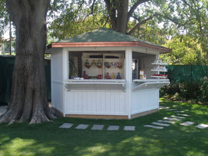 Gazebo Legno Per Bar.Chioschi In Legno Per Parchi Giardini Spiagge E Piscine Ad Uso Bar